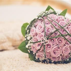 fwthumbbouquet-wedding-flowers-roses-hearts-love-hd-wallpaper.jpg