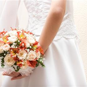 fwthumbbride-dress-flowers-bouquet-hd-wallpaper.jpg