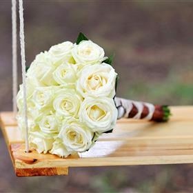 fwthumbroses-bouquet-flowers-swing-mood-hd-wallpaper.jpg